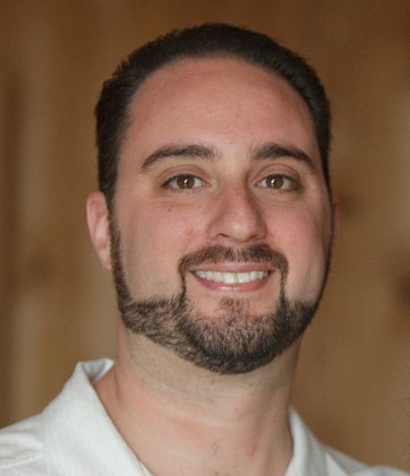 Andrew Groelinger headshot